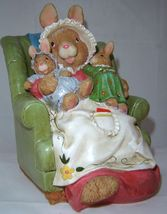 Bunny & Babies Sitting Figurine Adorable Polystone image 3