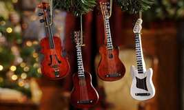 "Set of 4 -  6"" Wooden Guitars with strings Hanging Christmas Tree Ornaments NEW"