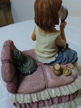 "Boyd's Vintage ""Yesterdays Child"" Figurine Music Box 2E/4904 Figurine image 4"