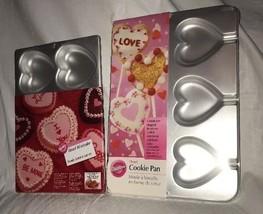 2 Wilton Heart Cookie Pan Trays Bags Sticks & Mini Cakes NEW Valentine T... - $570,24 MXN