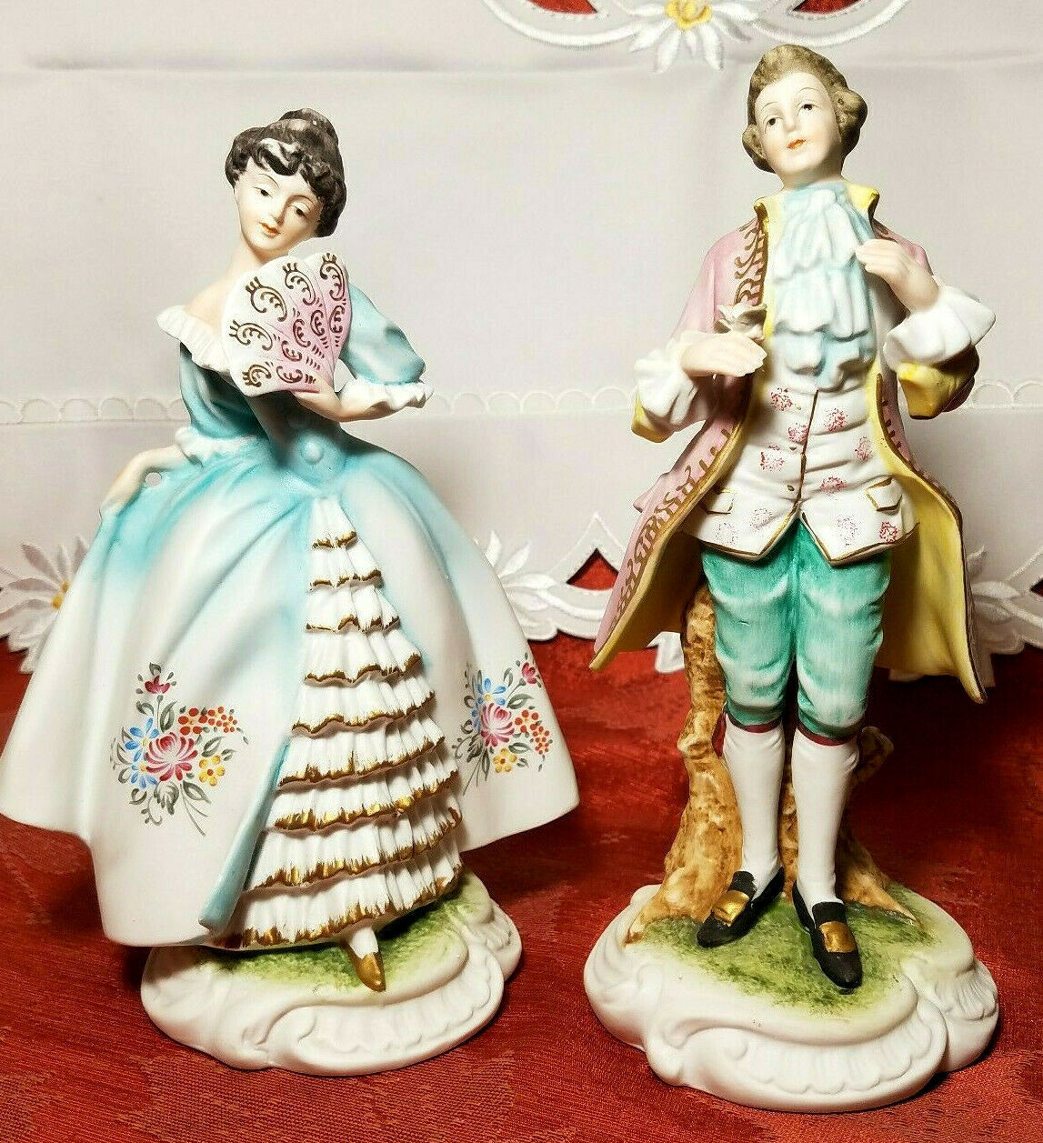Vintage Lefton China Pair of Colonial Man & Woman Figurines KW7225