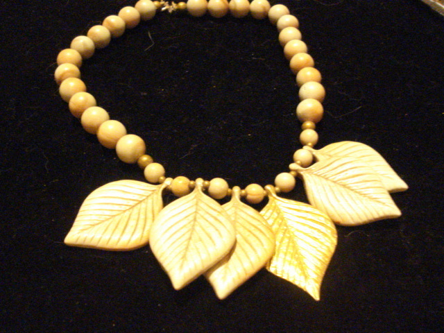 "14"" Leaf Necklace With One Gold Leaf"