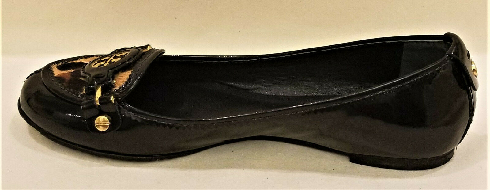 Tory Burch Comfort Flats Sz-6M Black Patent Leather Gold Metal Tory Burch Accent