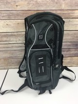 FUL Multi Sport Hydration Pack Backpack Gray *No Tubing Running Hiking - $455,00 MXN