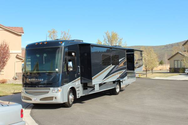 2015 Winnebago Adventurer 39' For Sale In Spark, NV 89436