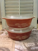 Two Vintage PYREX Autumn Harevest // 471 B // Casserole Dish with Lid - $12.50