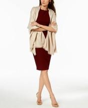 Calvin Klein Lightweight Lurex Plaited Scarf (Latte, One Size) - $746,30 MXN