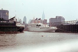 1964 SS Constitution American Export Lines 35mm Photo Slide NYC Skyline - $49.49