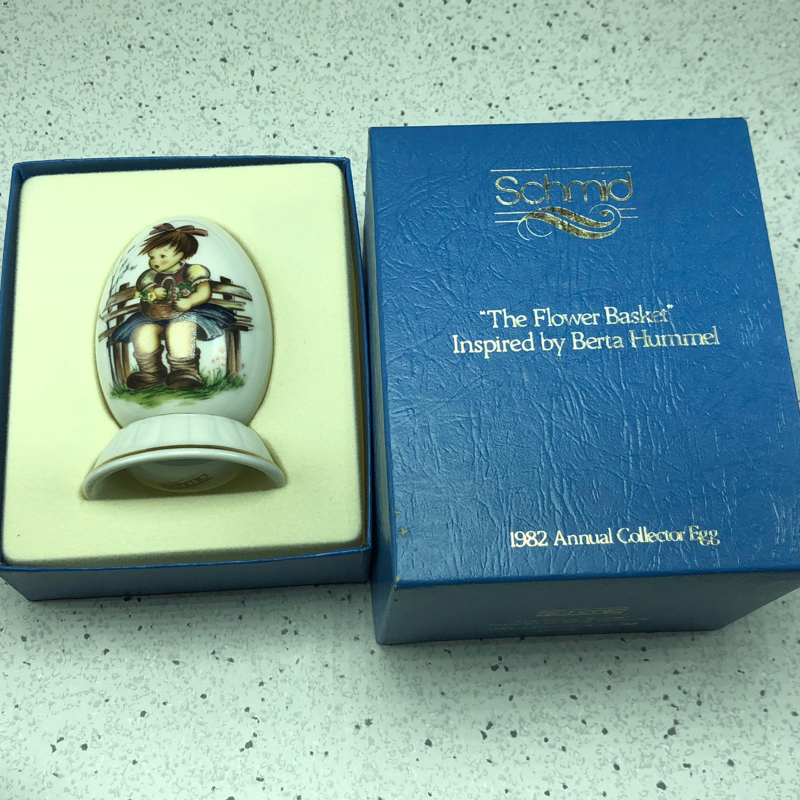 1982 SCHMID BERTA HUMMEL GOEBEL ANNUAL EASTER EGG figurine flower basket 177301