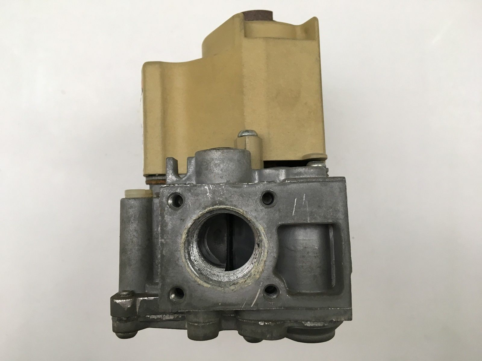 077b087d005 HONEYWELL VR8205M 2401 Furnace Gas Valve used + FREE USPS Priority mail  shipping