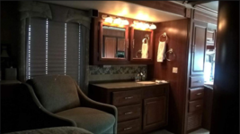 2007 Fleetwood Discovery 39V For Sale In Gold Canyon, AZ  85118 image 9