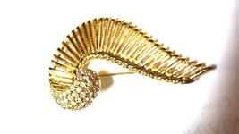 Napier Fantastic Rhinestone Gold Tone Abstract Brooch Vintage Pin - $40.50
