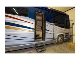 2000 Newell Coach 45 Class A For Sale In Imperial, MO 63052 image 2