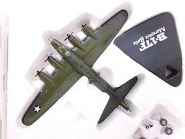 BOMBARDIERS Atlas Edition 1/144  BOEING B 17 FLYING FORTRESS **READ** - $19.60