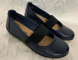 Womens CLARKS Collection Mary Jane Shoes Soft Cushion Navy Blue Size 6.5 NICE - $35.99