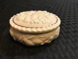 Lenox Oval Trinket Box Jewelry Fruit Of Life White Gold Trim 1998 - $14.03