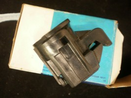 FORD NEW GENUINE OEM GLOVE BOX DOOR LATCH ASSY E4DZ5406072B - $28.95