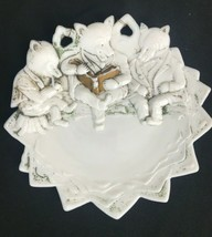 Antique Milk White Glass Three Roosevelt Teddy Bears Reading Plate Westmoreland - $23.34