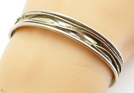 925 Sterling Silver - Vintage Sculpted Detail Round Cuff Bracelet - B6027 - $41.89