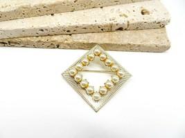 Vintage Coro Pegasus Gold Cream Pearl Mid Century Modernist Brooch Pin N54 - $16.99