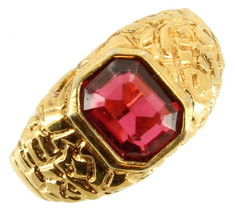 Vintage Solitaire Organic Faceted Red Stone Unisex  Large Gold Tone Ring... - $80.99
