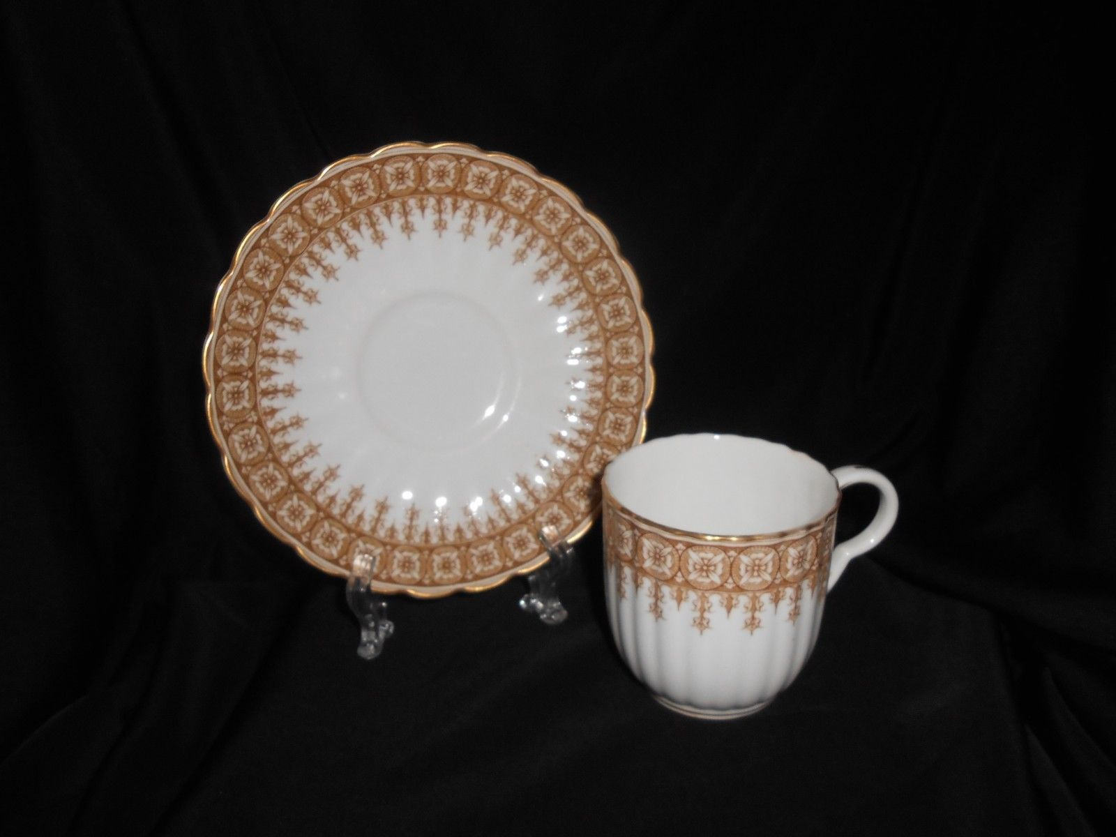 Royal Worcester Cup & Saucer Set Of 6 Gold Lace Antique China Fine Dining