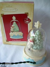 HALLMARK 2004 LIGHT~MOTION~MUSIC ORNAMENT~A COOL HOLIDAY - $19.99