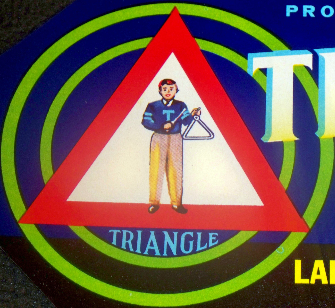 Triangle crate label 002