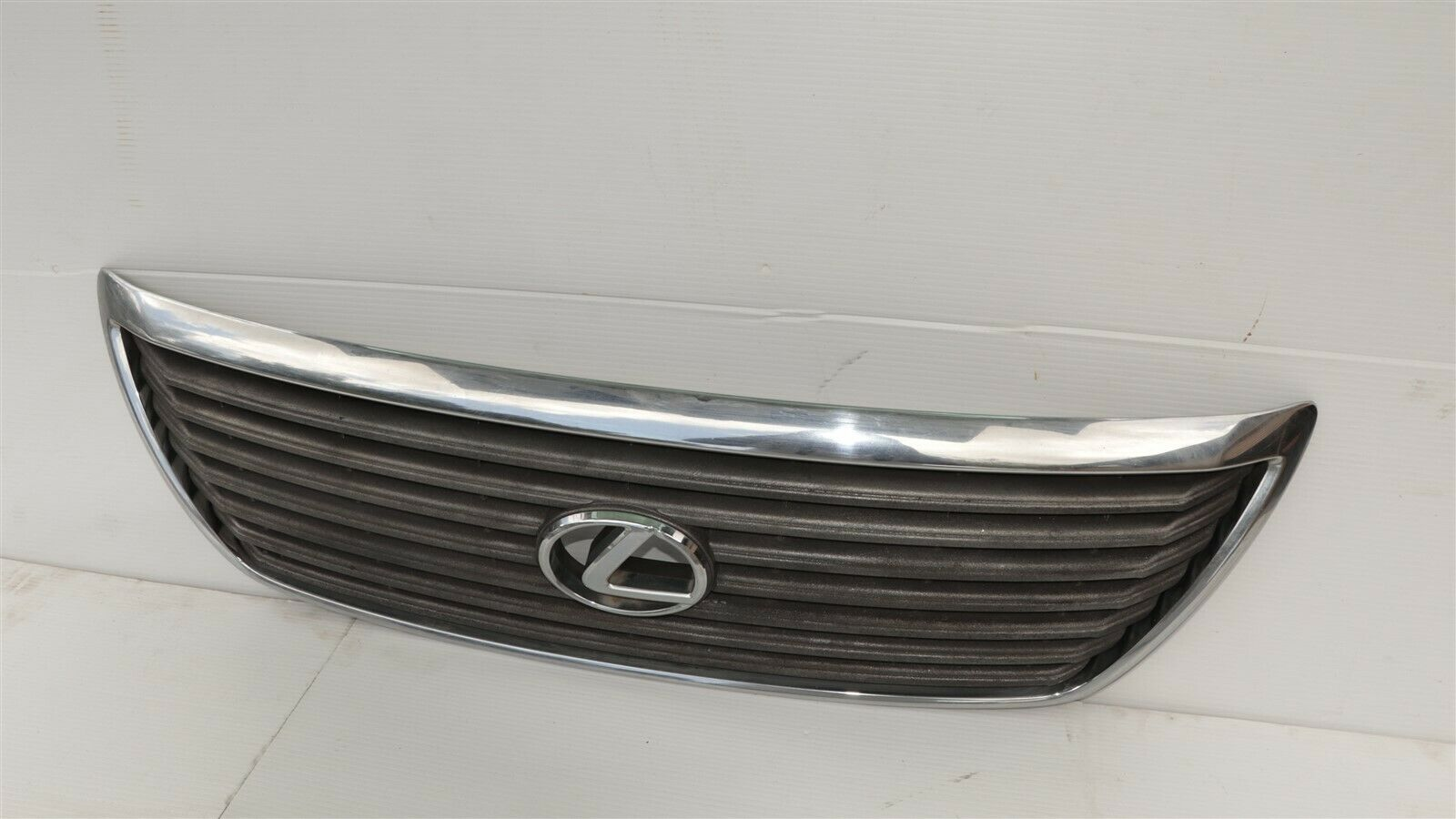 04-06 Lexus LS430 Upper Bumper Radiator Grill Grille W/Emblem Assembly