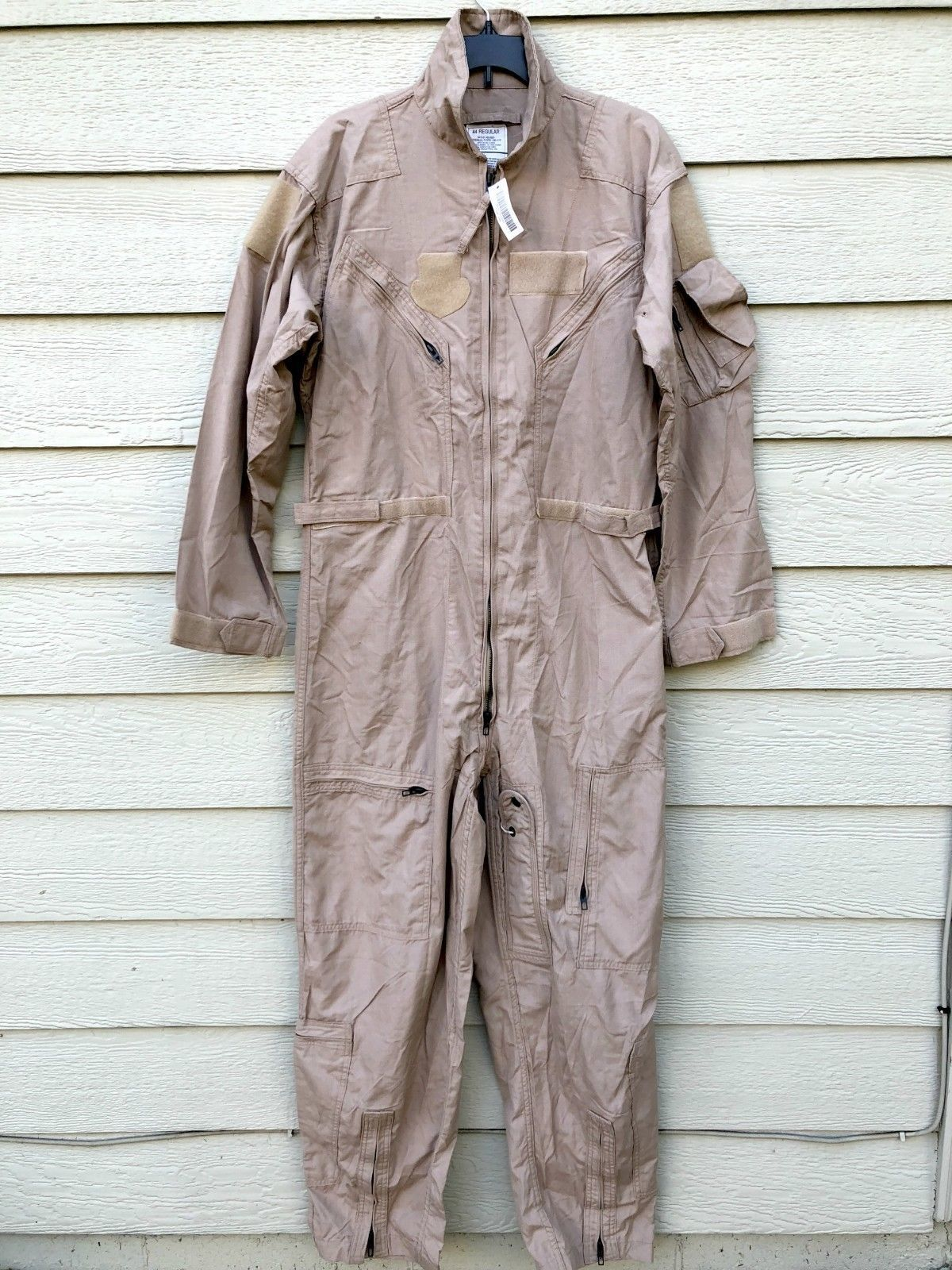 Primary image for NWT GENUINE US AIR FORCE TAN NOMEX FIRE RESISTANT FLIGHT SUIT CWU-27/P - 44R