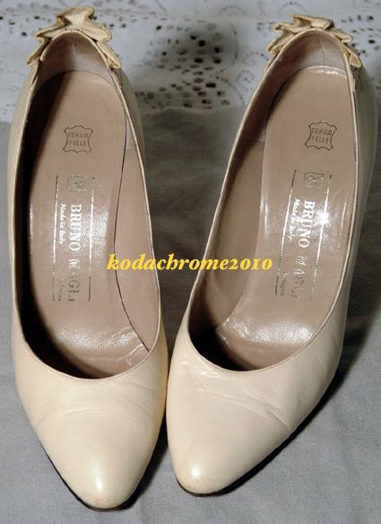 Bruno Magli Vintage Italy Beige Ladies Heels-Snakeskin Fan + Box-1 Owner Classic
