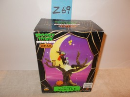 Lemax Spooky Town WITCH'S R&R #74591 NRFB Halloween Village Lighted Tabl... - $38.99