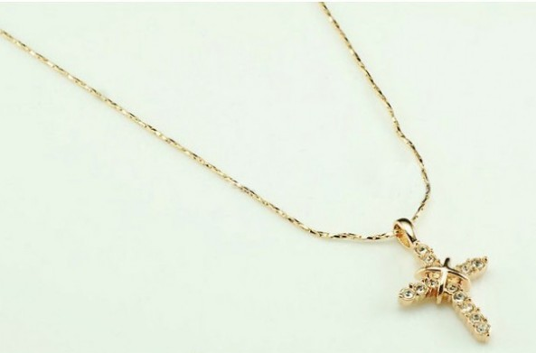 18K Alloy Swarovski Cross Pendant Necklace(Color:Gold /Platinum )