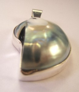 925 Bali  Sterling Silver Shell Necklace Pendant Mabe Pearl Stunning