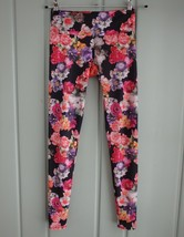 Onzie Yoga Womens XS Black Photo Floral Leggings Stretch Pants Roses Ath... - $29.02