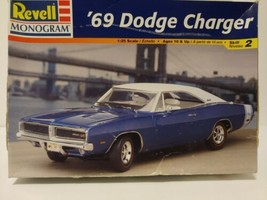 REVELL 69 DODGE CHARGER model 1/24 scale in box - ( 85-2546 ) - $25.54