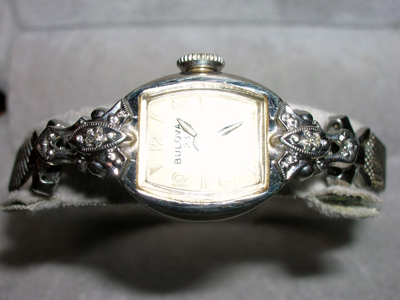 how to wind a bulova watch