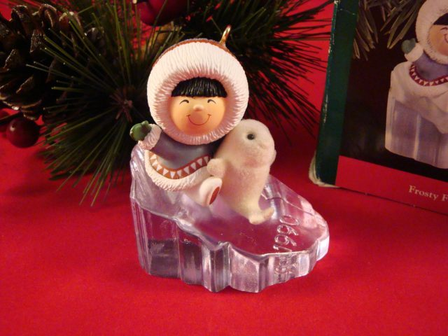 Hallmark 1990 Frosty Friends QX439-6