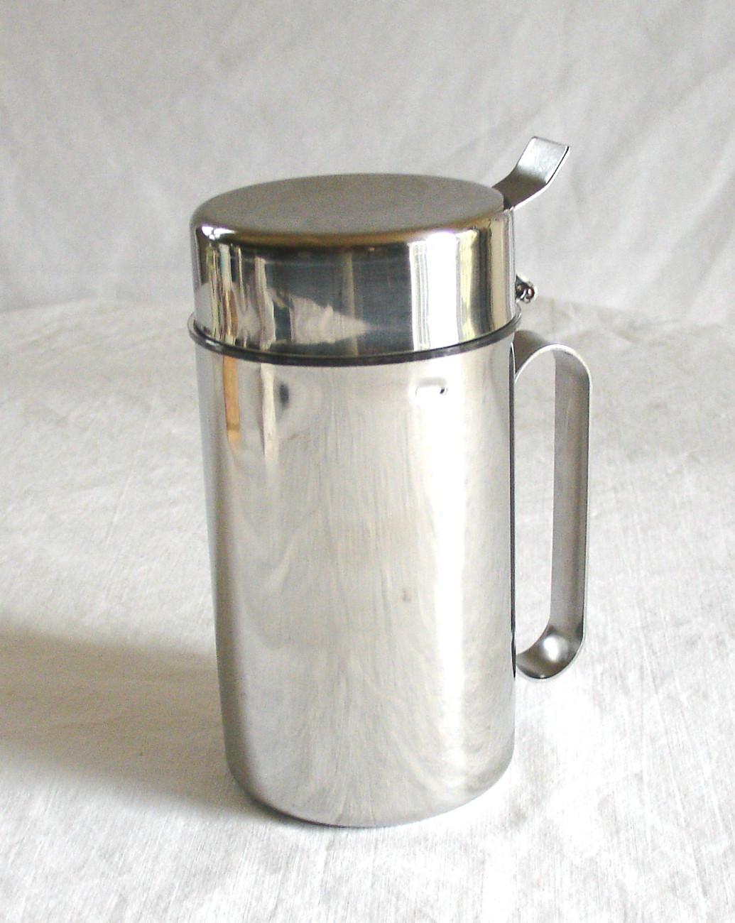 ekco stainless steel dripless olive oil oil batter or liquid dispenser oil vinegar dispensers. Black Bedroom Furniture Sets. Home Design Ideas