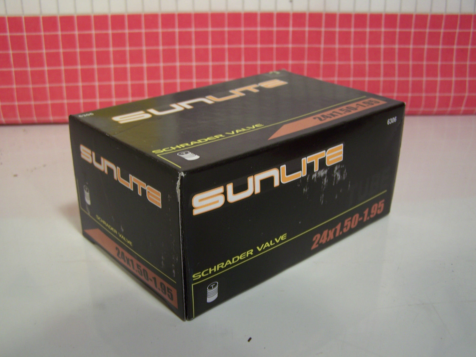 Sunlite Bicycle Inner Tube - 24x1.50-1.95 Schrader Valve - Kids ATB Bike
