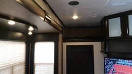 2016 Grand Design Momentum 350M Toy Hauler RV 5th Wheel Trailer 55449 image 7