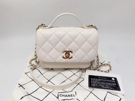 AUTHENTIC CHANEL 2018/2019 WHITE 2-WAY QUILTED CAVIAR  FLAP BAG GHW