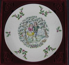 Royal Doulton 1977 Victorian Christmas Skaters Plate Boxed England Bone ... - $19.75