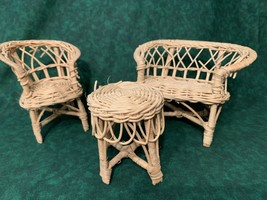 "DOLLHOUSE Wicker Mini Furniture 4.5"" Love Seat, a Chair & Table/Stool Lo... - $14.01"