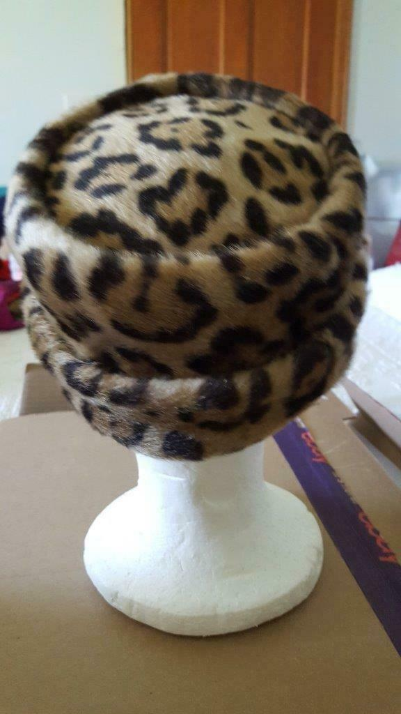 "VINTAGE FAUX FUR LEOPARD COSSACK STYLE HAT CAP, NO MAKER MARKS, LINED, 22""HEAD"