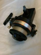 VINTAGE SHAKESPEARE OMNI 030 SPINNING FISHING REEL FOR PARTS OR REPAIR image 3