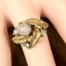 "Vintage 1980 ""OPALESQUE"" Gold Tone Ring Adjustable Size 6-7 - NEW IN BOX - $12.16"