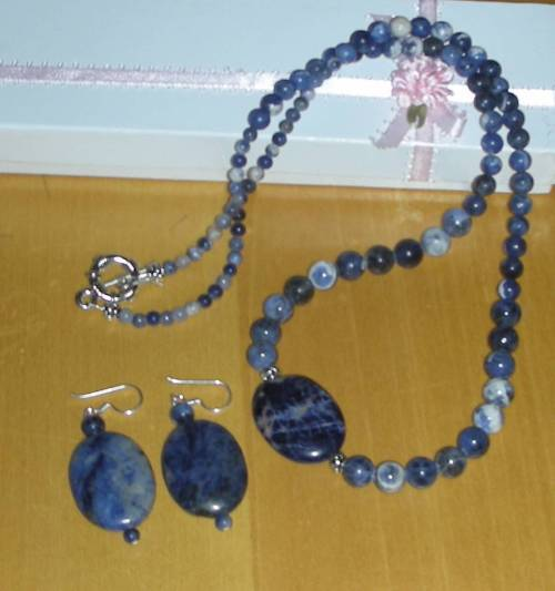 STUNNING SODALITE STONE NECKLACE