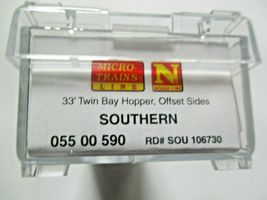 Micro-Trains # 05500590 Southern 33' Twin Bay Hopper Offset Sides N-Scale image 4