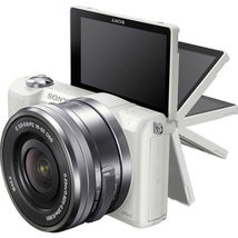 Sony Alpha A5000 White Mirrorless Digital Camera with 16-50mm Lens Kit image 4